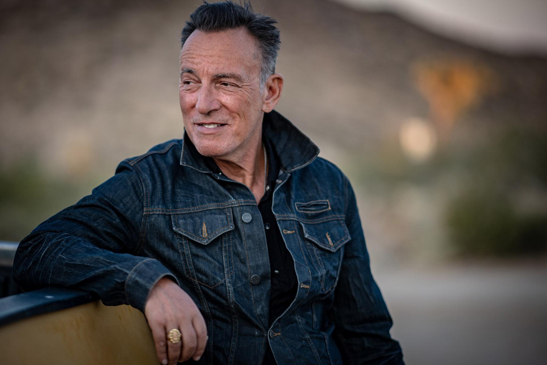 Bruce Springsteen Biography