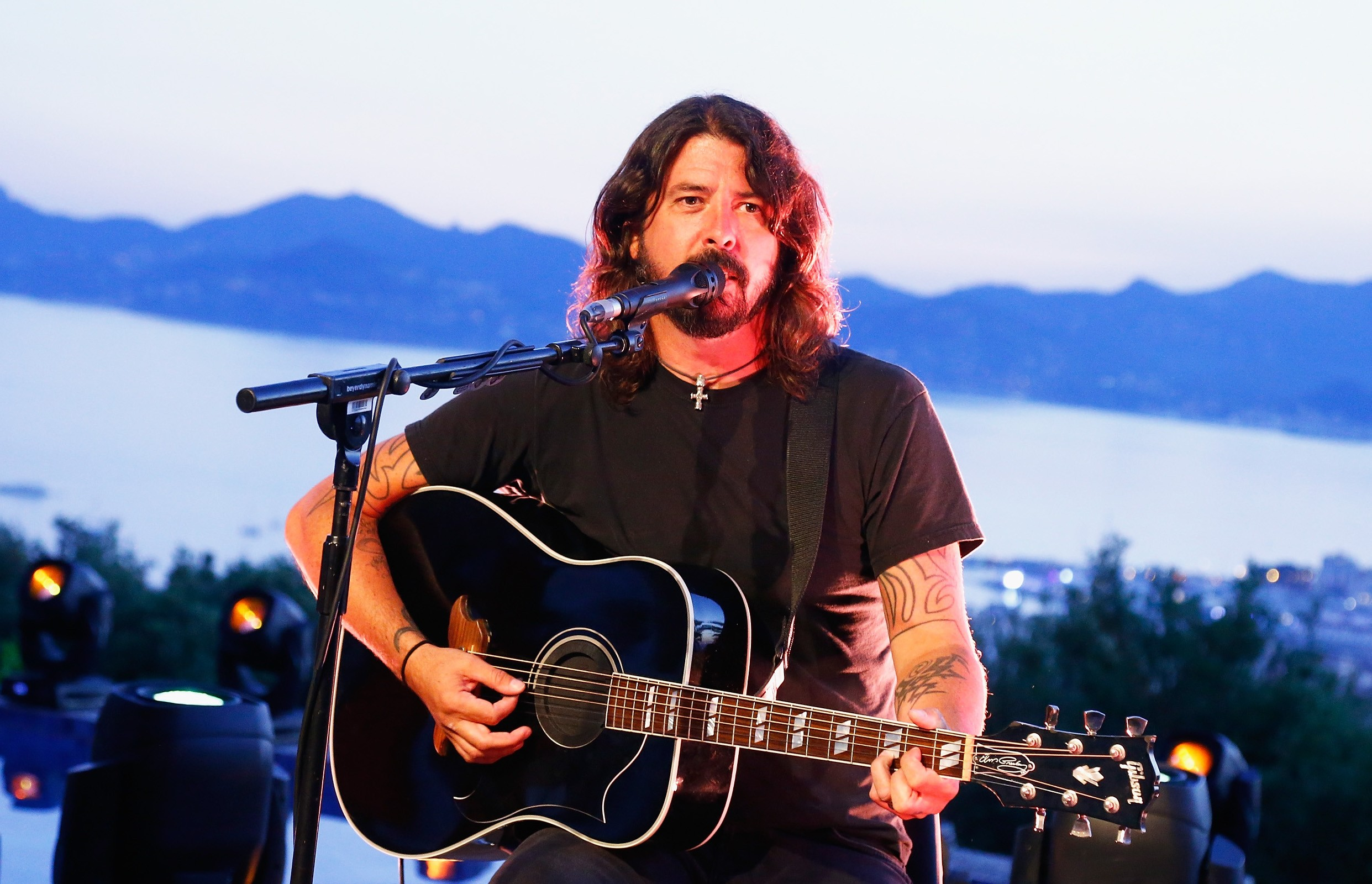 Dave Grohl Biography