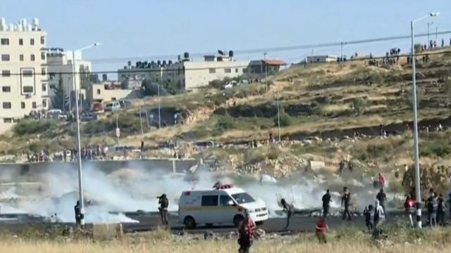West Bank erupts as Palestinians clash with Israeli troops