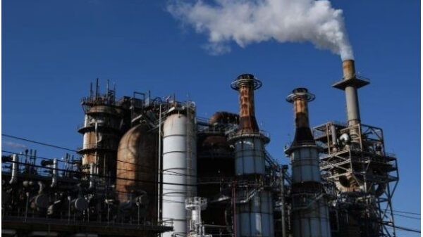 Acid leak from chemical plant in US kills 2, injures 7